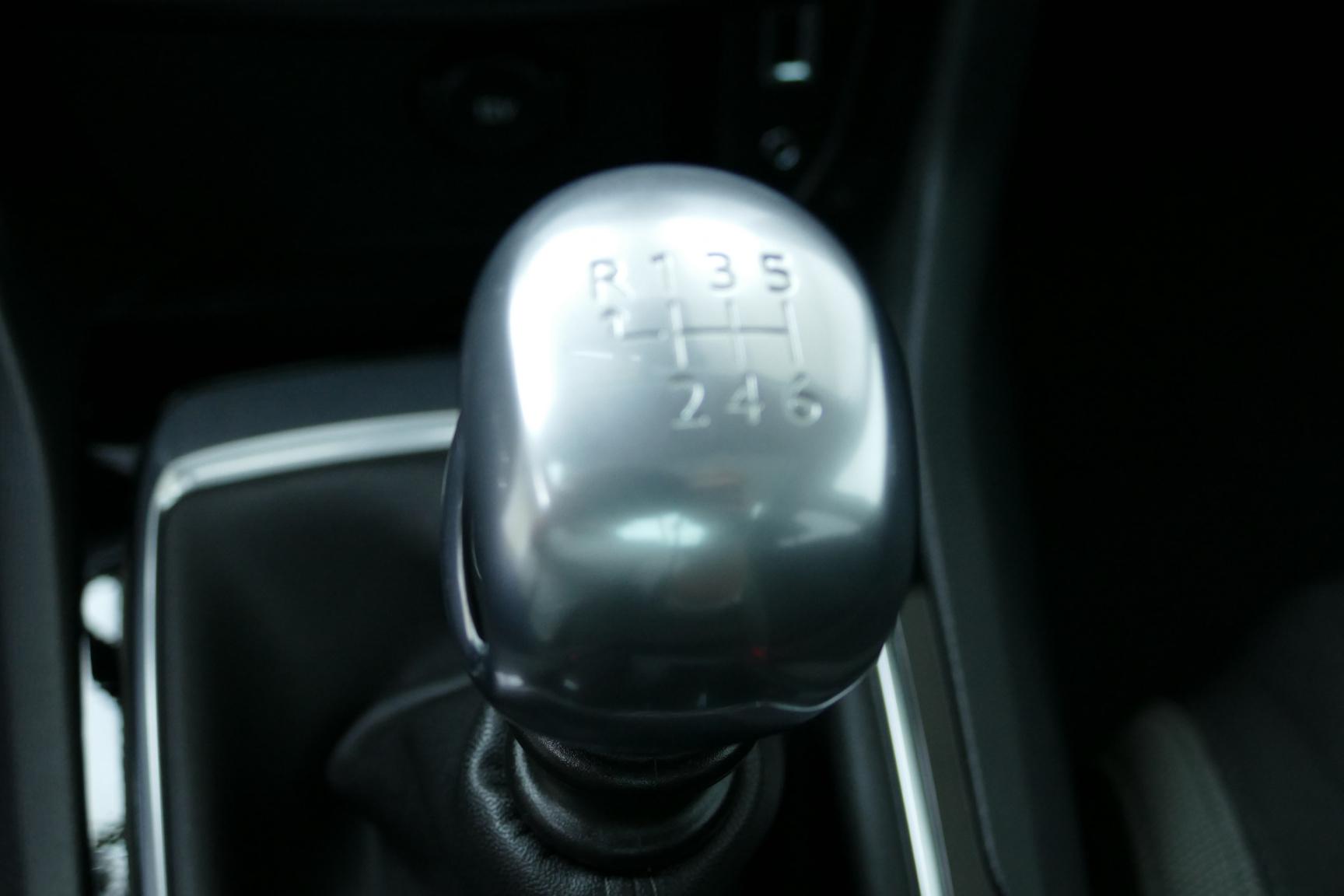 Peugeot-308-24