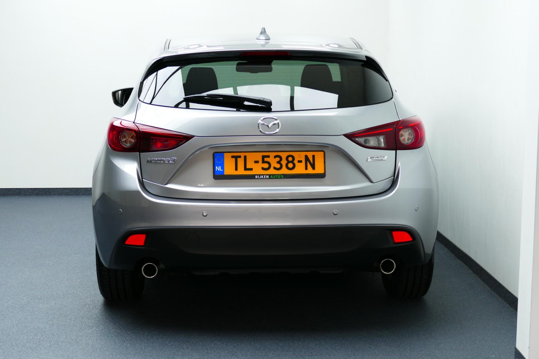 Mazda-3-21