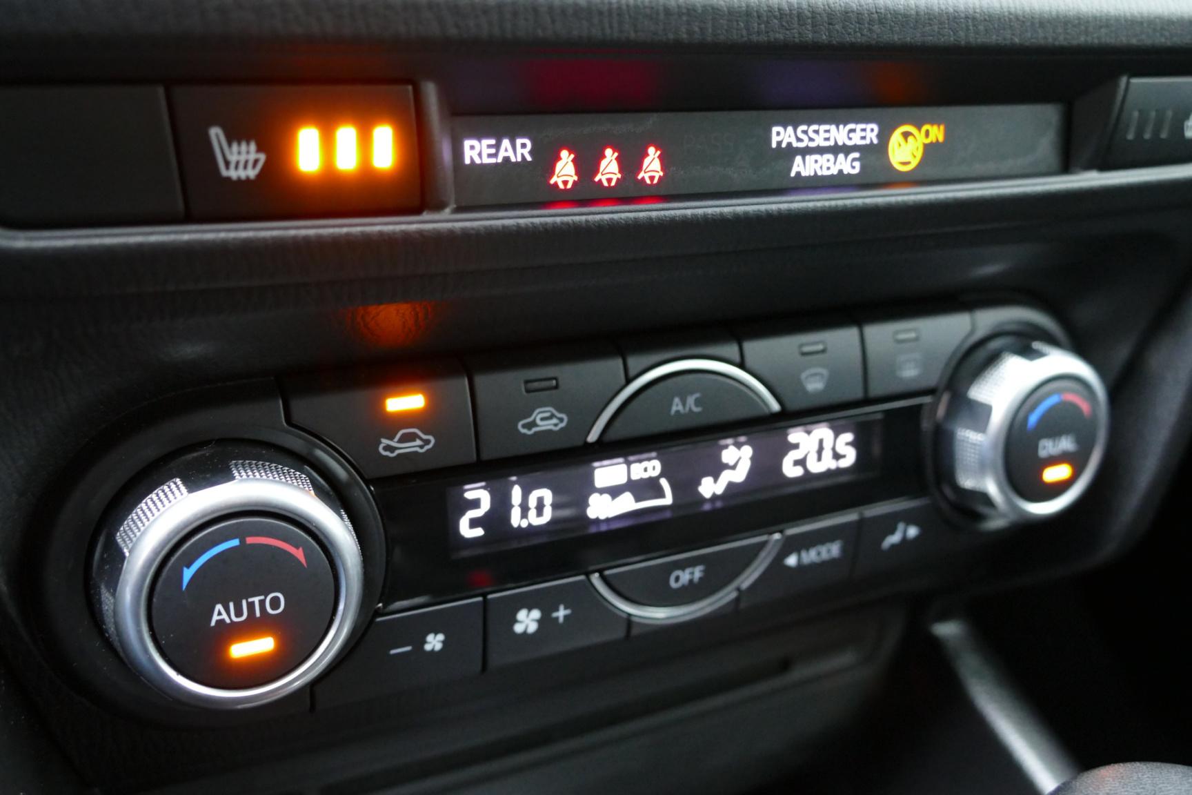 Mazda-3-13