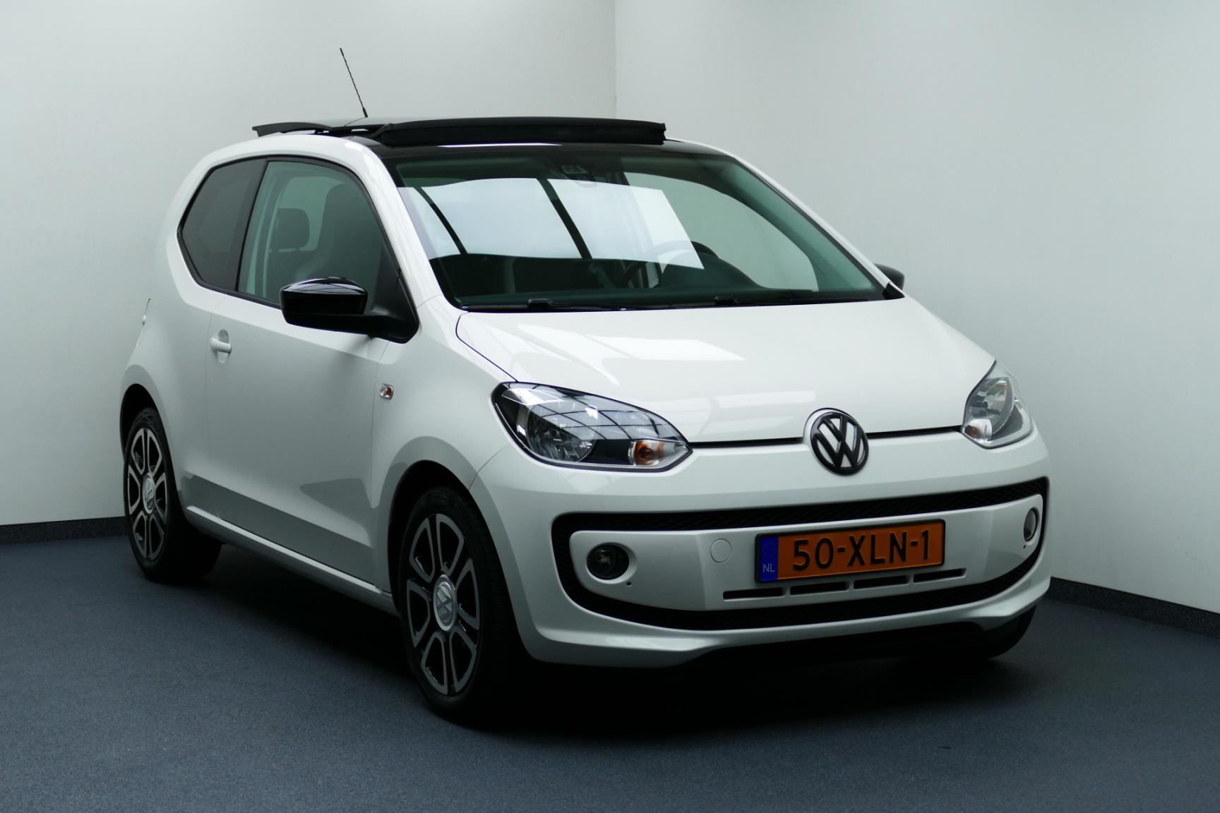 Volkswagen-up!-0