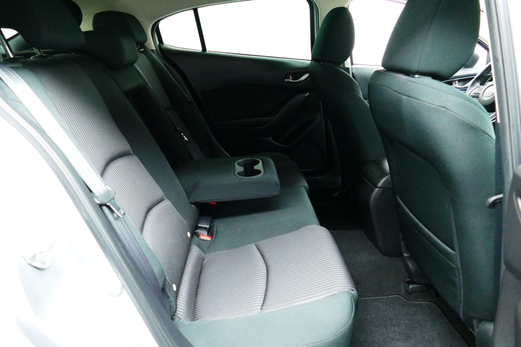Mazda-3-4