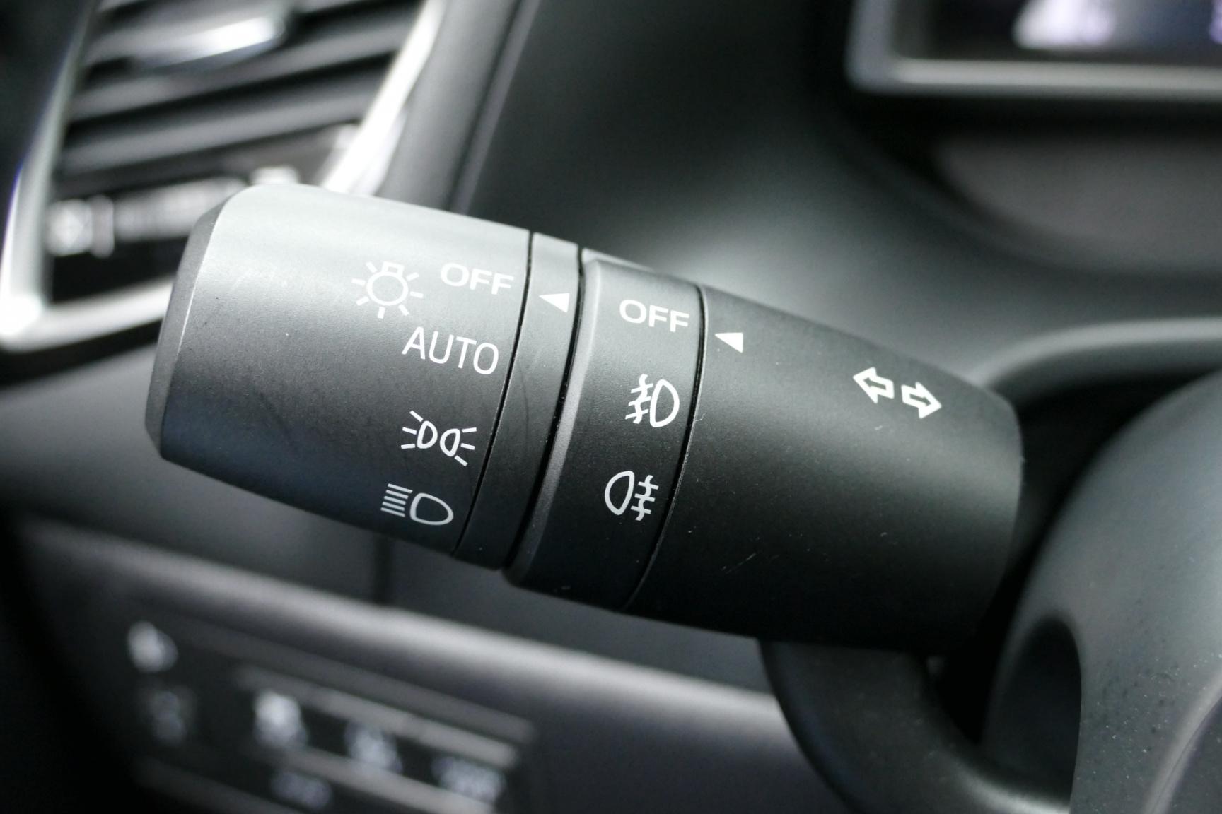 Mazda-3-25