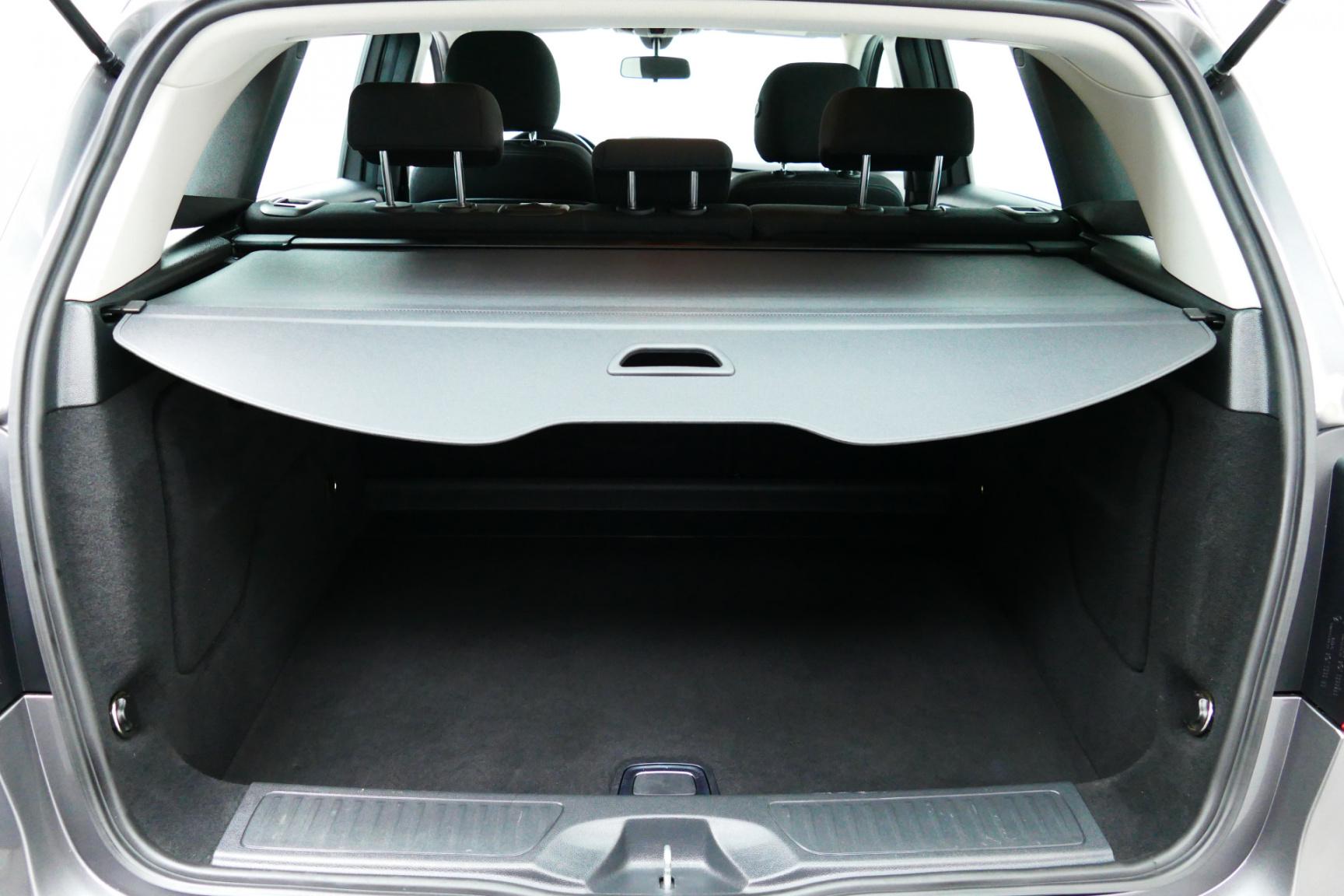 Mercedes-Benz-B-Klasse-25